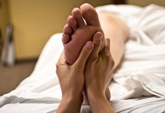 Успокаивающий массаж девушке к сделать эротический массаж девушке